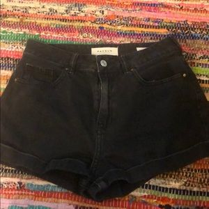 Black PacSun mom shorts